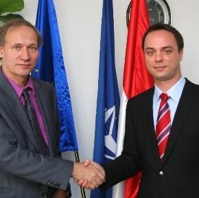 EU-s iránymutatás a szélessávú internet-hozzáférések kiépítéséért