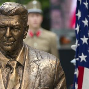 Reagan szoboravatás a Szabadság téren