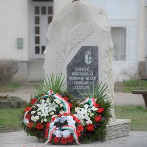 A kommunizmus áldozataira emlékeztek Füzesabonyban