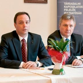 Már 1,9 millió aláírást gyűjtött a Fidesz-KDNP