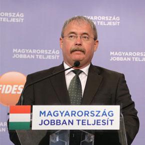 Védjük meg a magyar földet, az akácot és a pálinkát!