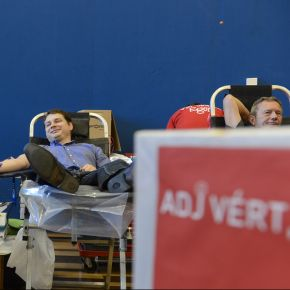 Adj vért, adj esélyt!
