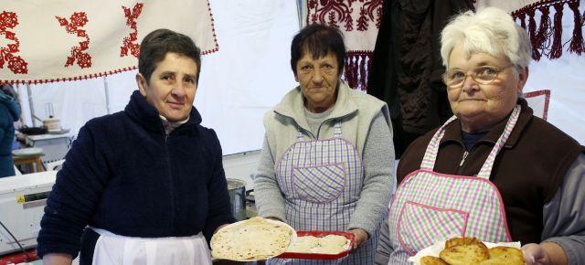 Adventi gyertyagyújtás és böjti ételek