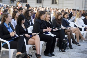 Aláírásgyűjtés az egyetemért: Eszterházy Petíció!