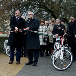 Tíz kilométernyi bicikliút Egerben
