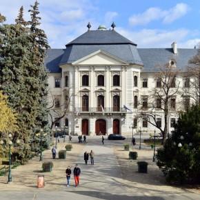 Az Eszterházy Károly Egyetemről az Országgyűlésben