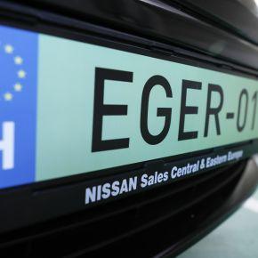 Megnyílt az első elektromos töltőállomás Egerben