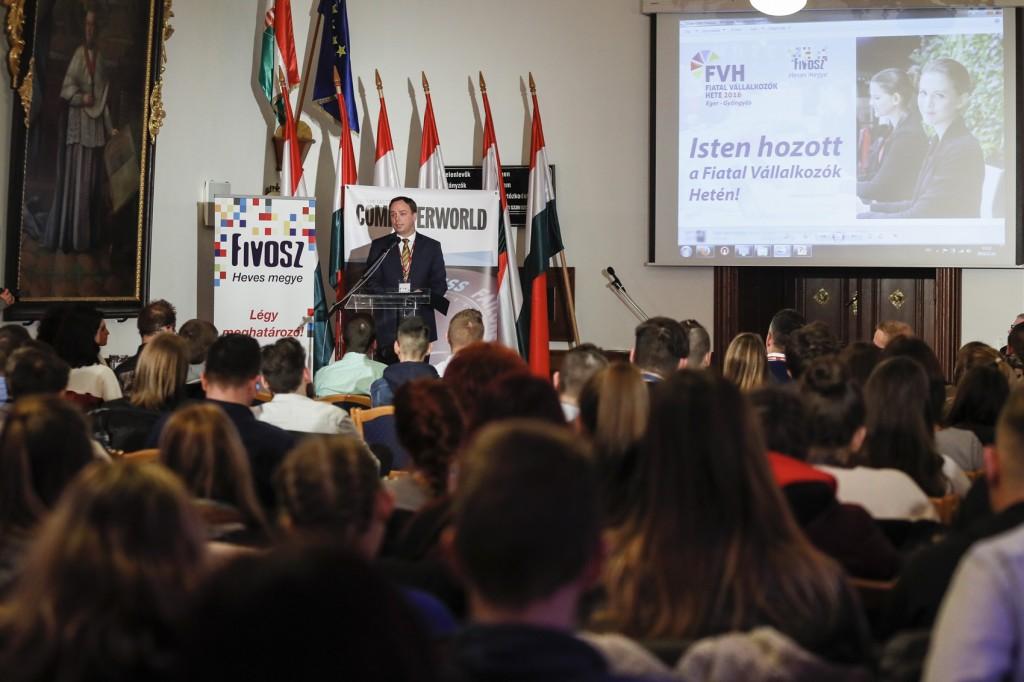 Fiatal vállalkozók a versenyképes Magyarországért