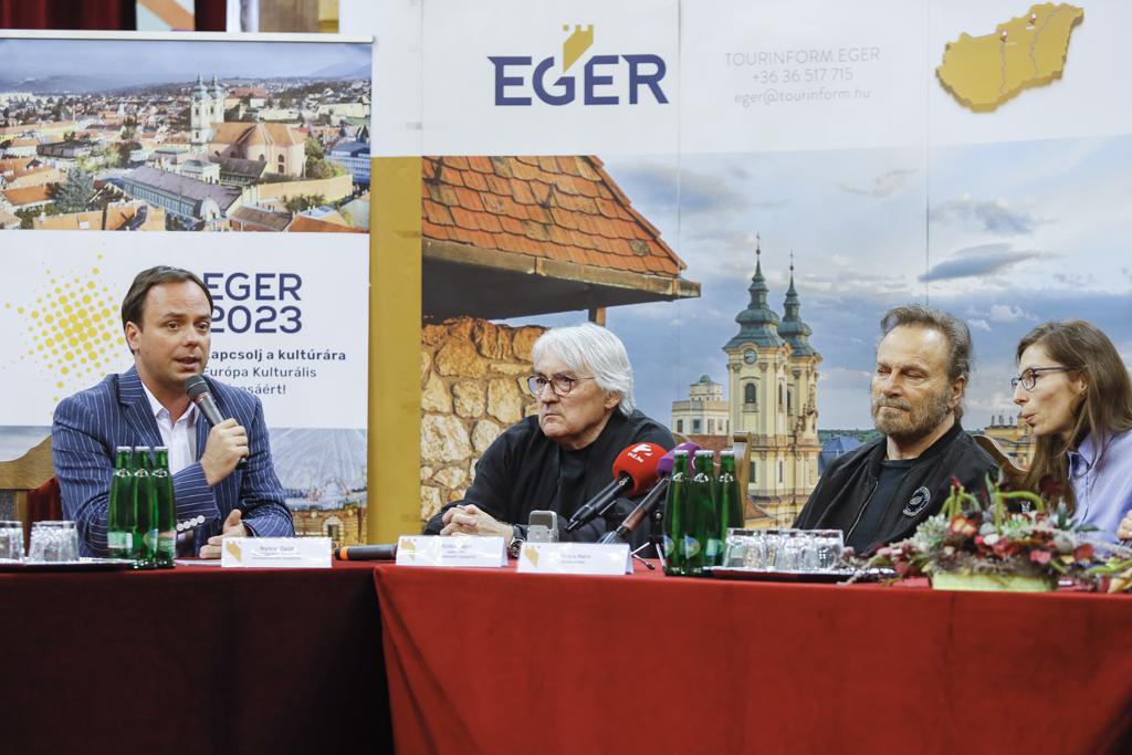 Franco Nero: Egert mindenkinek látnia kell!