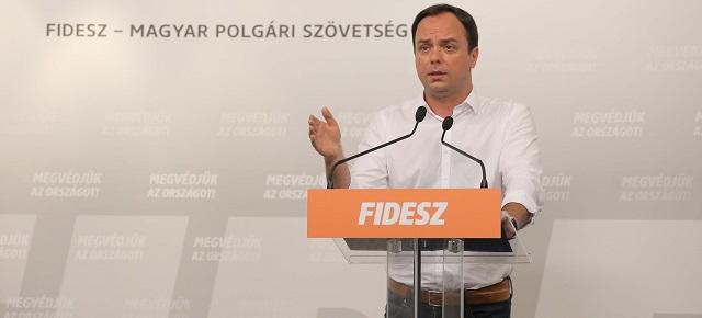 Vona Gábor kérjen bocsánatot a nyugdíjasoktól!