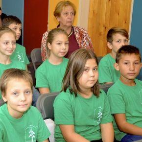 A kormány segít az iskolai évkezdés terheinek csökkentésében