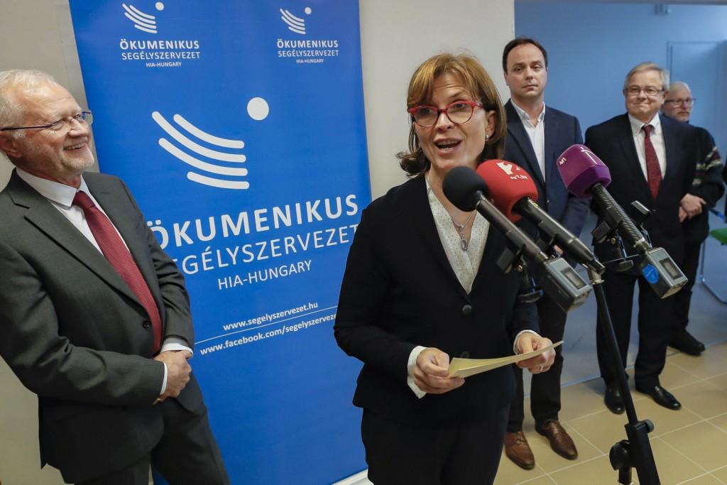 Lévai Anikó: Az Ökumenikus Segélyszervezet hazaérkezett Egerbe