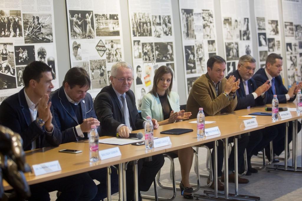 Ötpárti határozat a magyar sport ünnepnapjairól