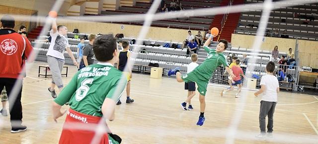 Több mint 1,2 millió gyerek és fiatal sportol napi szinten