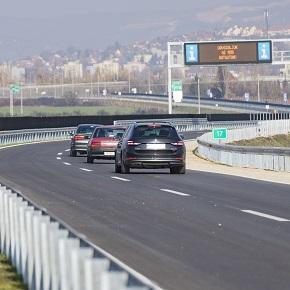 A tervek szerint halad az M25-ös építése