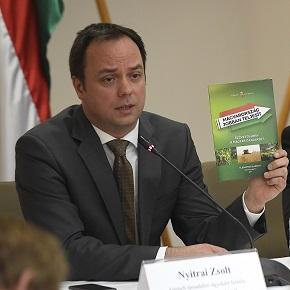A kormány kikéri a gazdák véleményét