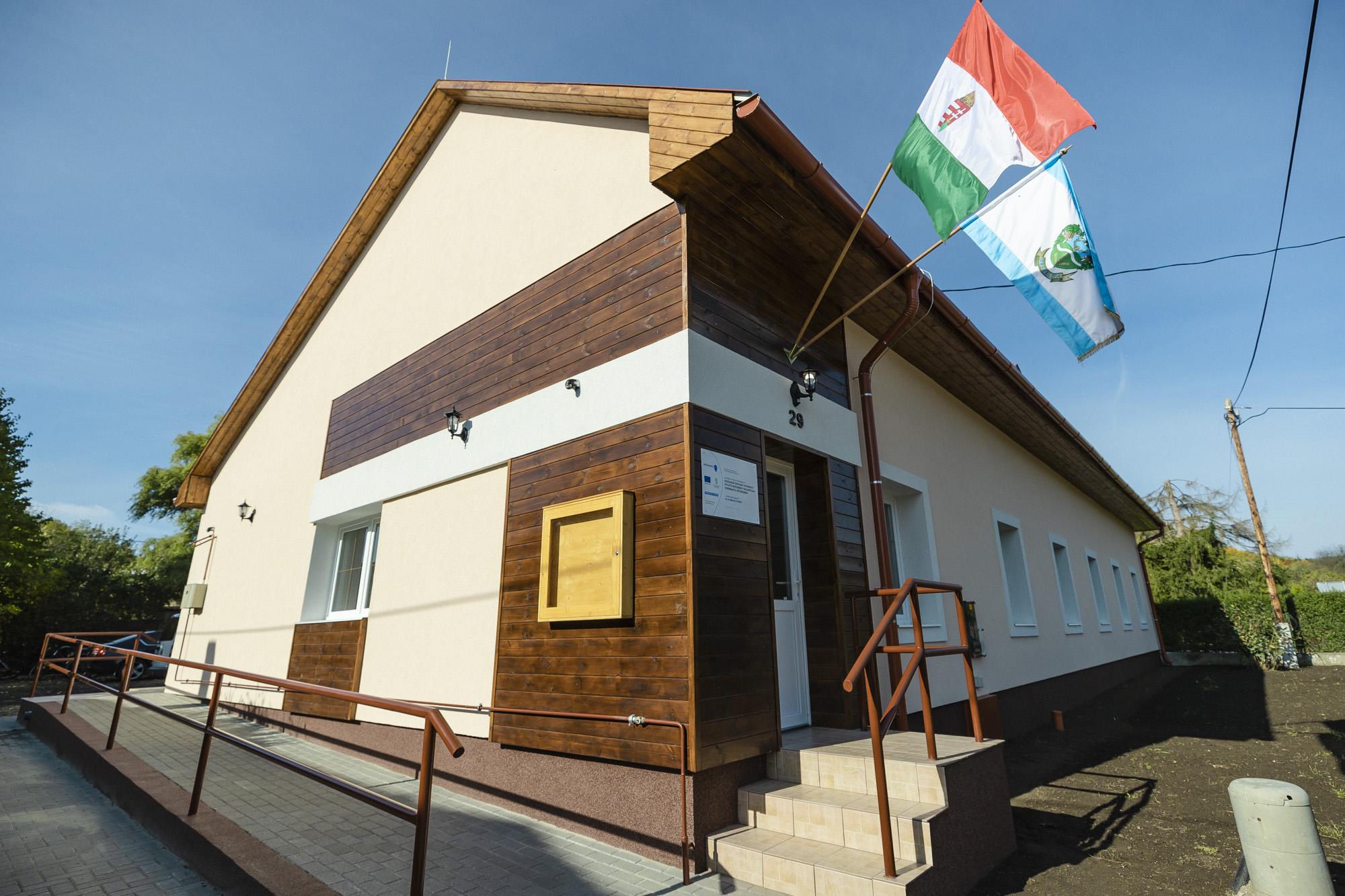 Szociális szolgáltató központot avattak Egerbaktán